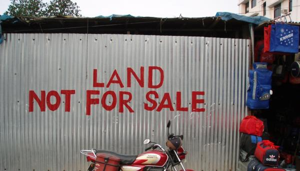 Land grabbing, la video-intervista a Stefano Liberti